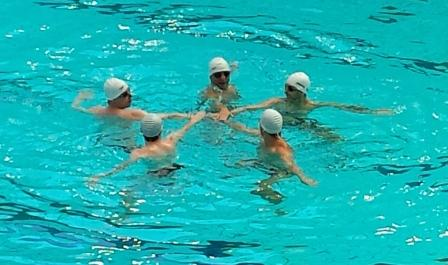 Five go swim in paris chris preston for Where to swim in paris