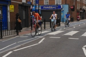 CS3 The lanes narrow - a dangerous crossing