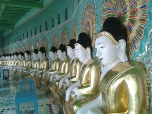 Curve of Buddhas photo by Richard